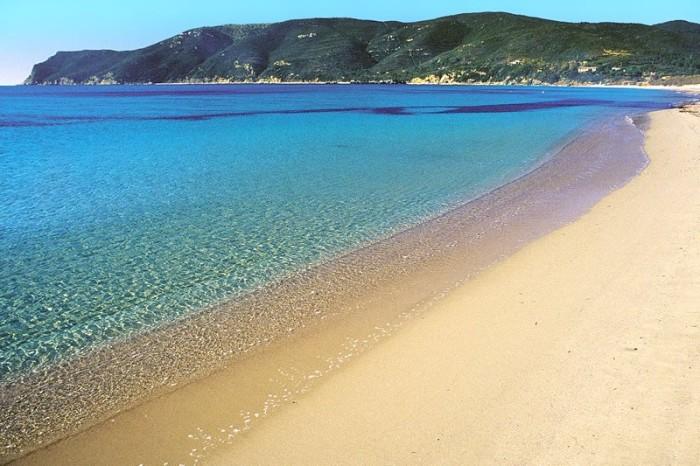Intorno a noi: la spiaggia di Lacona