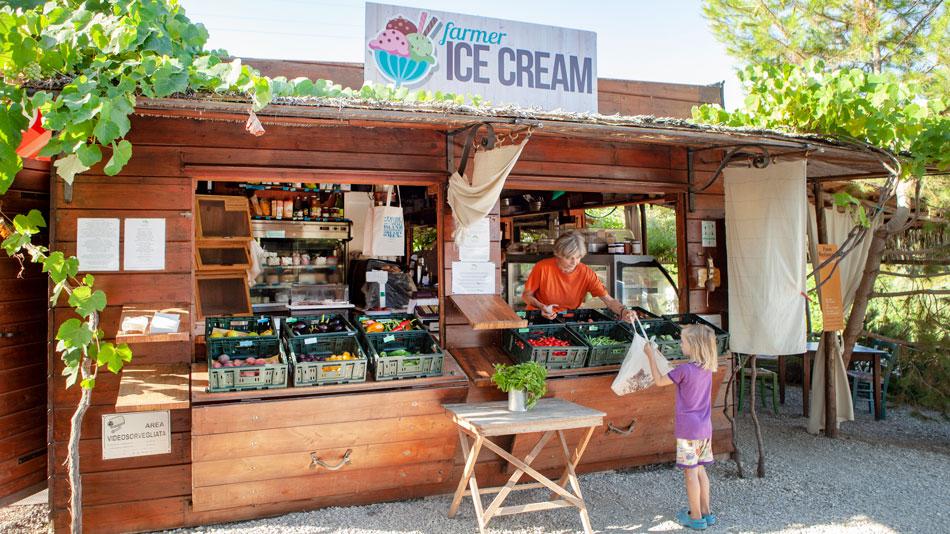 Ristoro e Market. Camping Orti di Mare, Lacona - Isola d'Elba